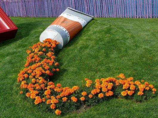 Creative Flower Pots Look Like Spilled Paint