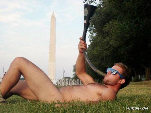 Commemorative Photos With A Washington Monument