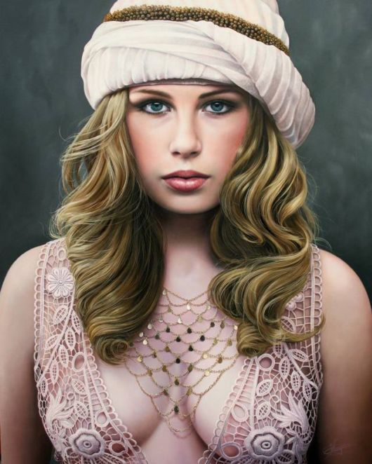 Hyper Realistic Oil Paintings By Christiane Vleugels