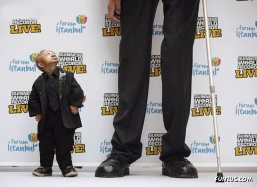 Tallest Man in the World Meets the Shortest