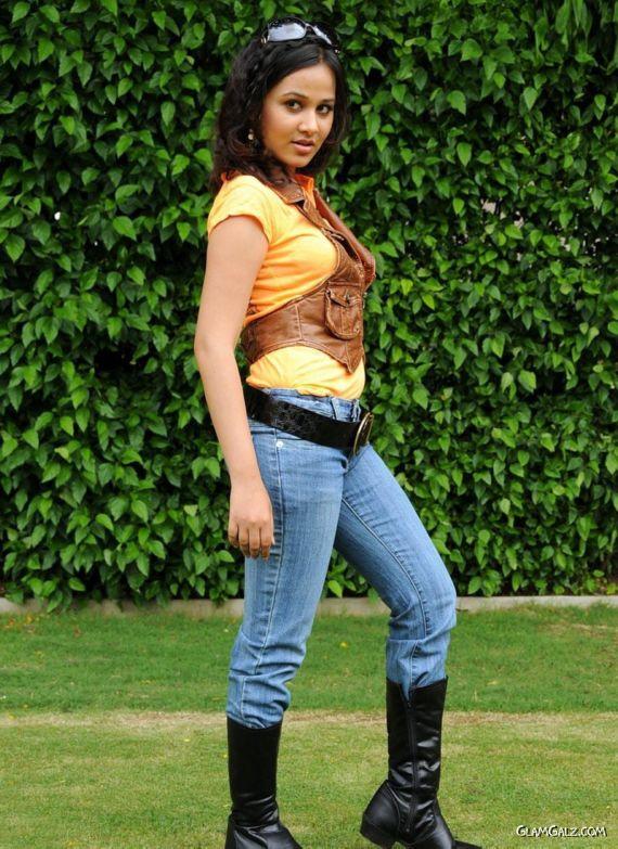 Nisha Kothari Stylish Photoshoot