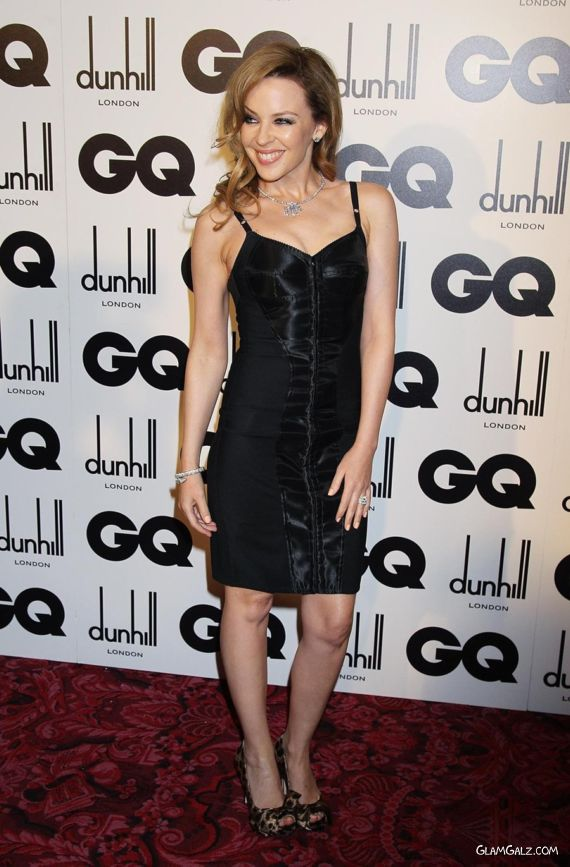 Kylie Minogue Looks Awesome