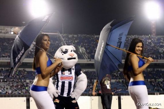 Cheerleaders from South and Latin America