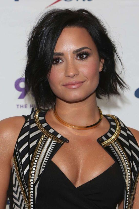 Demi Lovato Performing At FLZs Jingle Ball