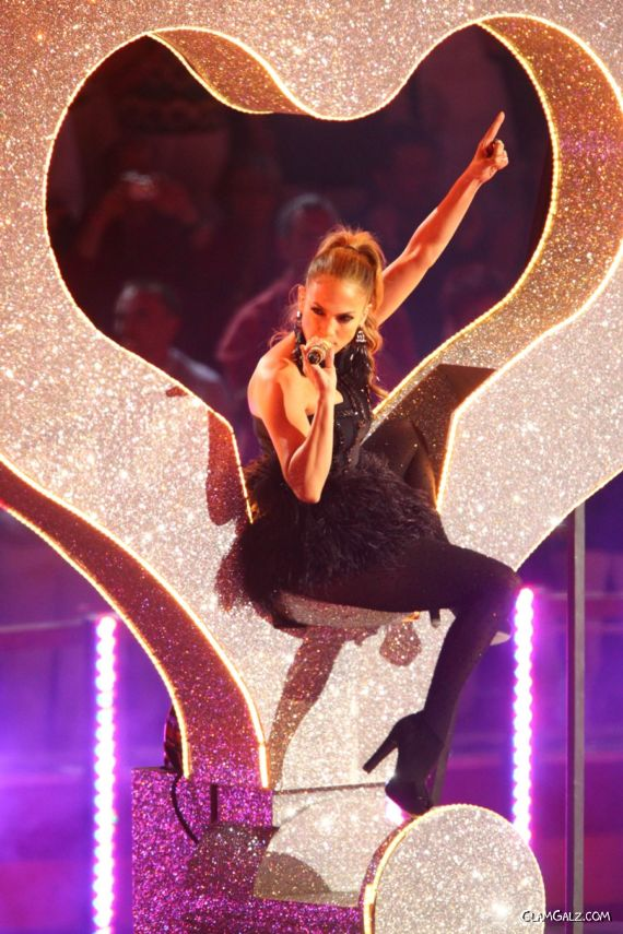 Jennifer Lopez Performing In Germany