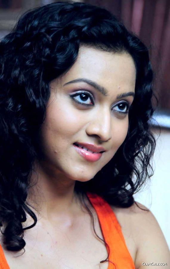 Beautiful Tamil Actress Akarsha