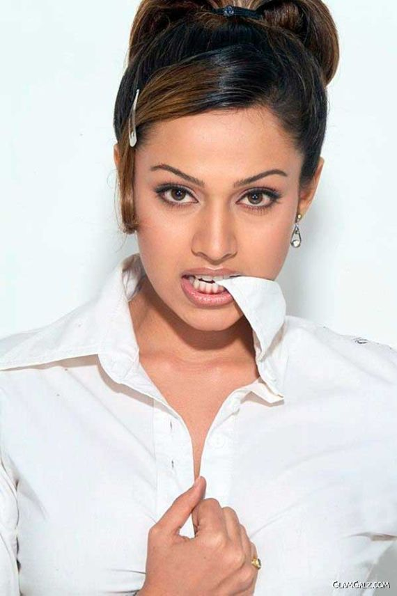 Dazzling Asha Saini In White