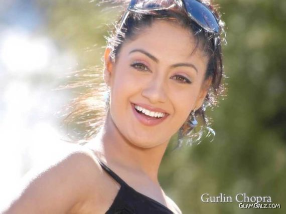 Click to Enlarge - Lovely Gurlin Chopra Wallpapers