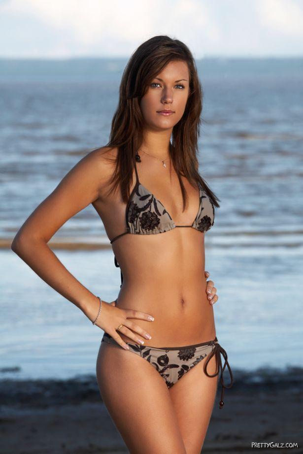 Hottest Bikini Galz Ever!