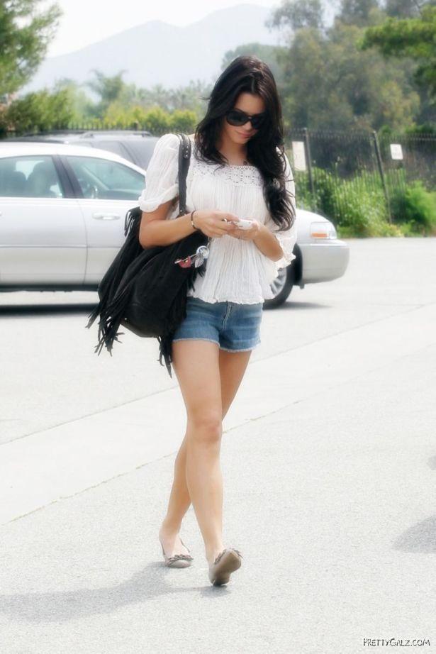Jenna Dewan Bikini Candids