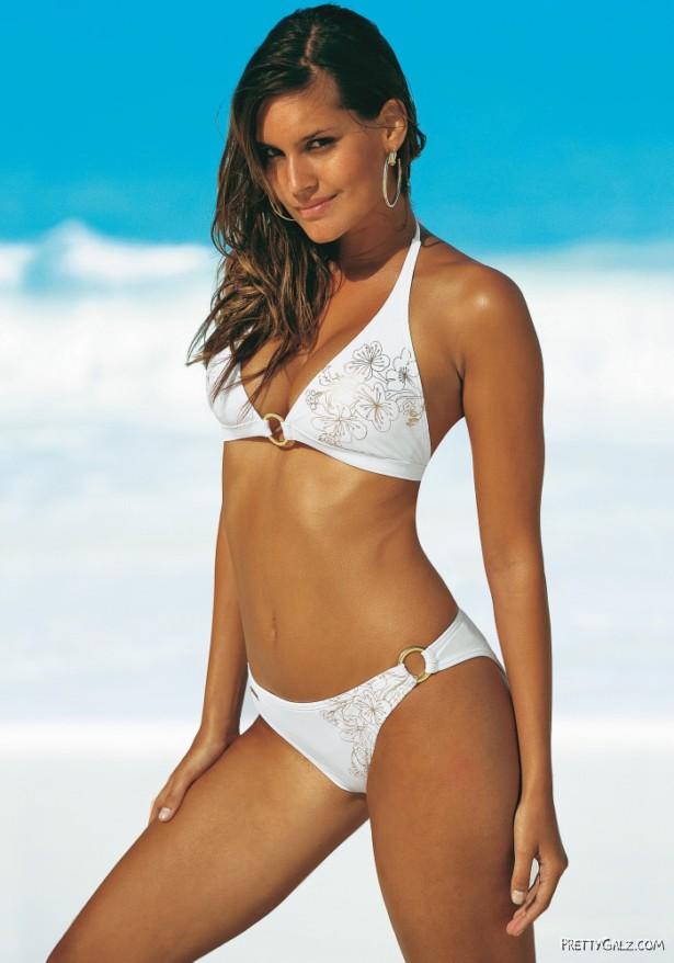 Brazilian Model Yasmin Jordao