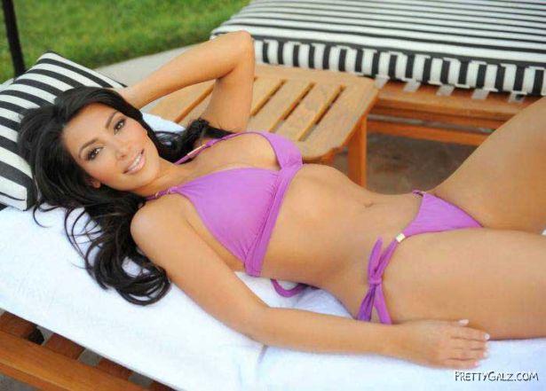 Miss Kardashian Enjoying In Her Resort